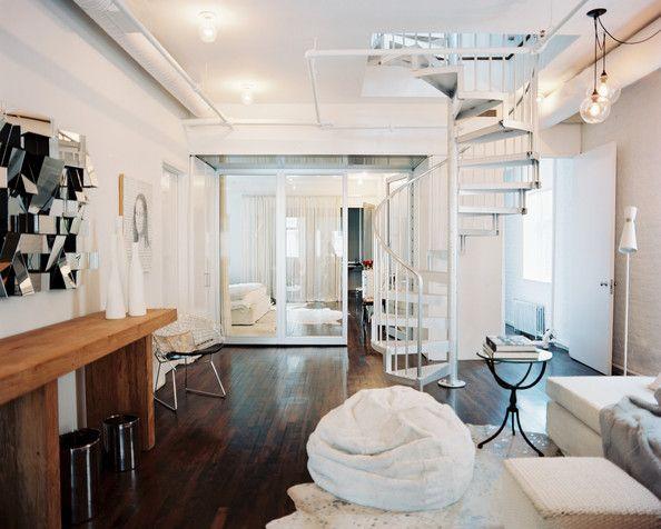 Puf Pera: #Confort en todos los sentidos.  Llamativos, ligeros, cómodos, esponjosos, cálidos, confortables, fáciles de manejar, caben en cualquier sitio y son los asientos preferidos de los más pequeños, estoy hablando de los pufs, bueno de los pufs pera en concreto.  https://dhomeklub.com/bl…/57_puf-decoraci%C3%B3n-dise%C3%B1o  #decorar #decoracion #pufs #interiorismo