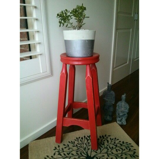 Emperor's Rest Stool makeovers are a favourite of mine. I need more !