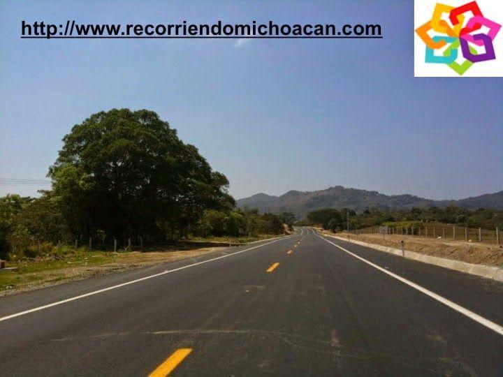 MICHOACÁN te indica como llegar a la playa La Llorona, localizada a 190 km. de Lázaro Cárdenas y a 12km. de Faro de Bucerías, puedes llegar por la Carretera Federal 200,  o podrías usar la nueva autopista Morelia-Pátzcuaro-Uruapan-Cuatro Caminos. HOTEL DELFIN PLAYA AZUL http://www.hoteldelfinplayaazul.com/portal/