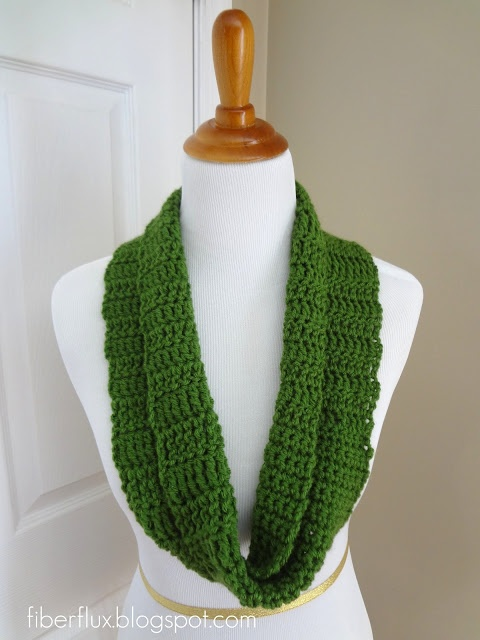 Crochet Class Cowl pattern from Fiber Flux!  Perfect your basic crochet skills with this springy cowl!