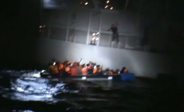 Refugees News 2015: Greek Coastguard Destroys Boat Full Of Refugees - http://www.morningledger.com/refugees-news-2015-greek-coastguard-destroys-boat-full-of-refugees/1352153/