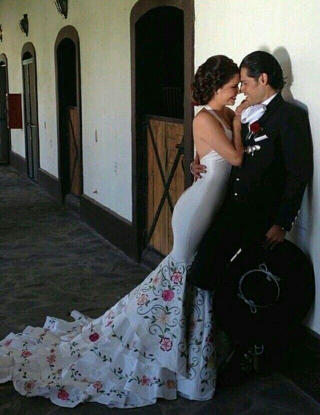 Vestido de novia tipico de m xico vestidos t picos de for Dresses for mexico wedding