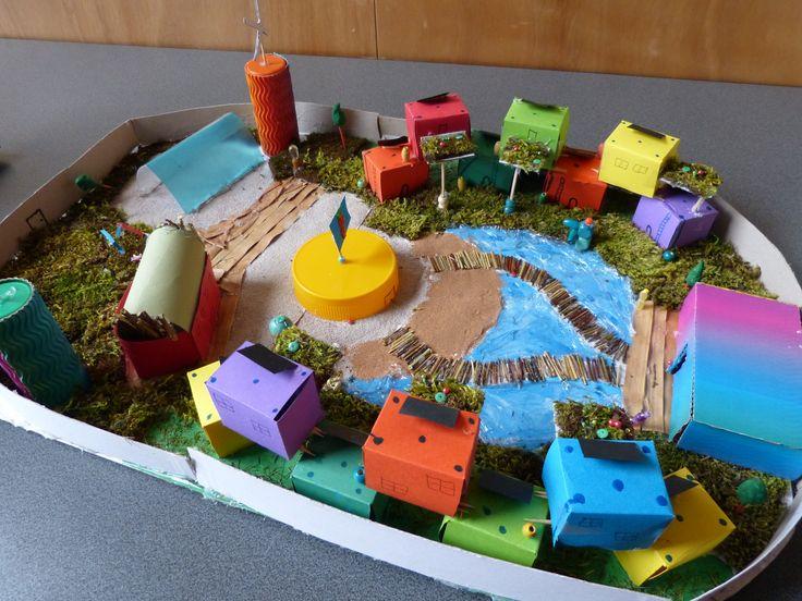 Maquette de ville utopique réalisée par des lycéens dans ...