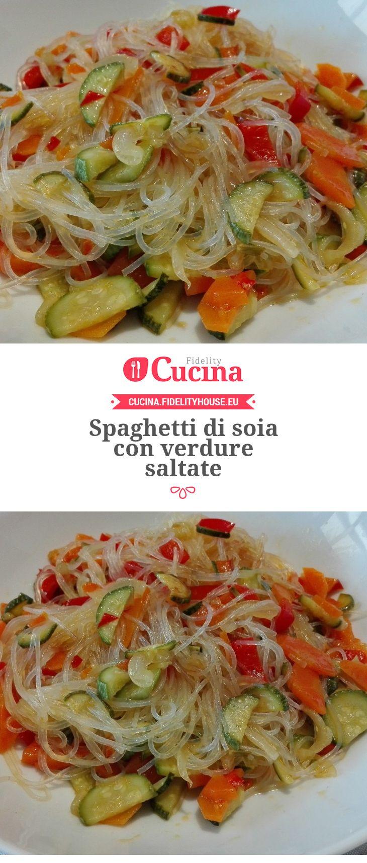 Spaghetti di soia con verdure saltate
