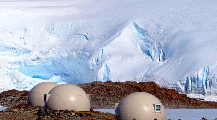 White deser Antarctica