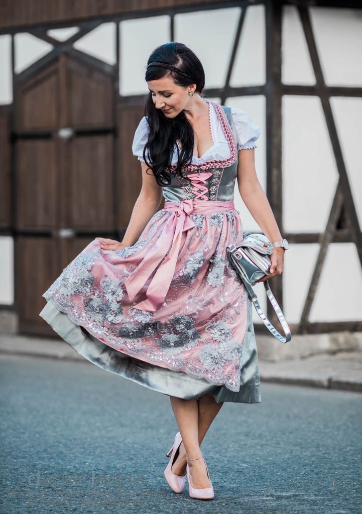 25 best ideas about oktoberfest outfit on pinterest dirndl oktoberfest clothing and oktoberfest. Black Bedroom Furniture Sets. Home Design Ideas
