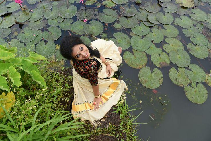 Designed tissue silk kerala saree