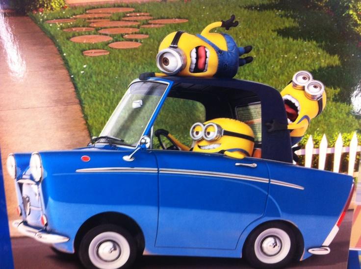 Minions driving - despicable me----> follow stephany medina :>