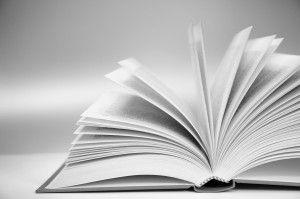 Livre&vous, écrivain public, rédige l'histoire de votre vie. Offrez-vous le plus beau des cadeaux à vos enfants et petits-enfants.