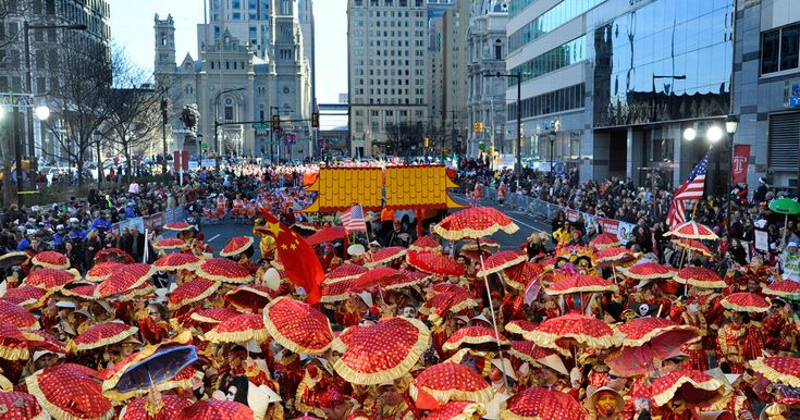 An annual tradition, the Mummers Parade features 10,000 men and women dressed in colorfully lavish costumes as they twirl, sashay, pirouette and strut up one of the city's main streets. An unforgettably wild ritual, the parade and subsequent performance