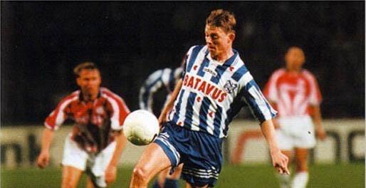Jon Dahl Tomasson - Kwam als jonge Deen en scoorde menig doelpunt in het shirt van sc Heerenveen. Vertrok naar Newcastle United en zou later terugkeren in Nederland bij Feyenoord.