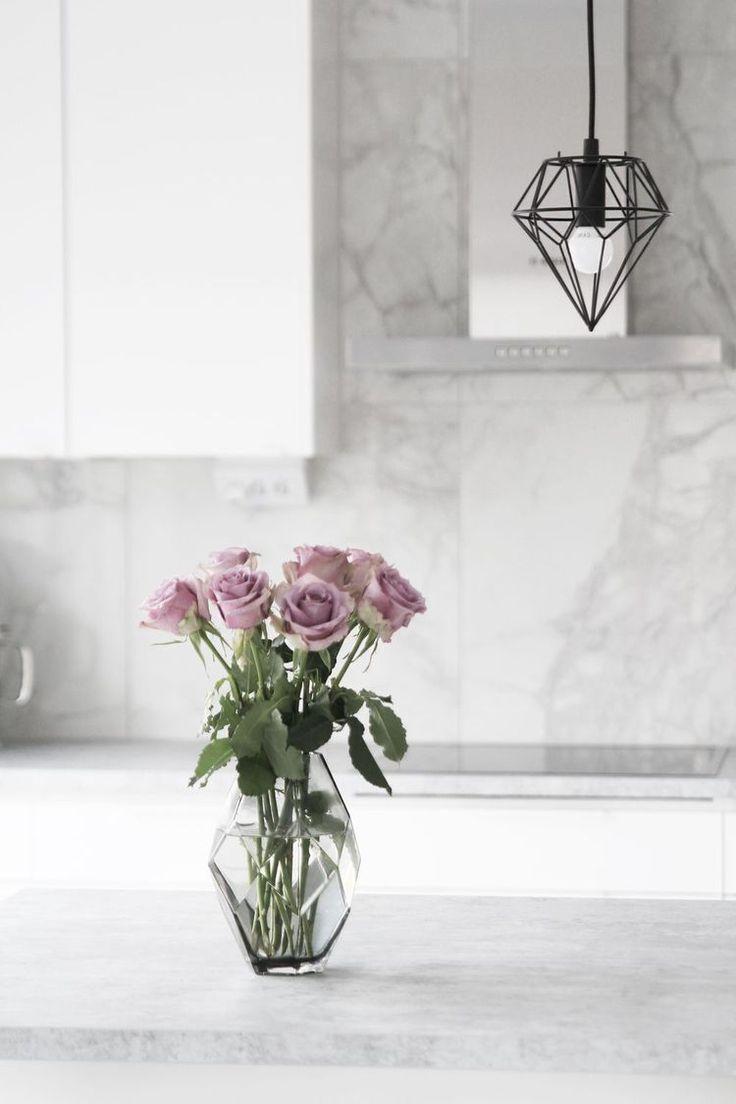 Lila rosor och fullt ös