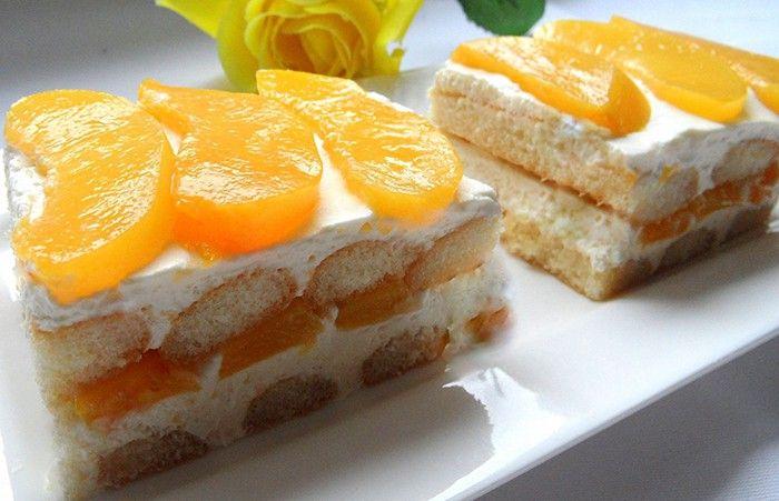 Pokud se vám dnes nechce péct, ale chcete na víkend něco sladké a chutné, připravte si nesmrtelné nepečené řezy s ovocem.