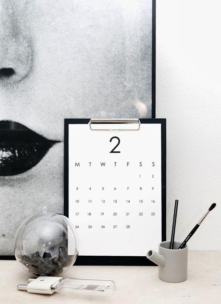 Poppytalk: Printable Wall Calendar