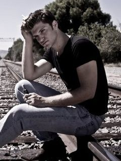 Keegan Allen..... Hellloooo hot stuff