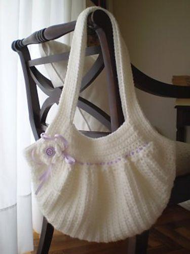 #Crochet bag. Cute. Free pattern Ravelry: Fat Bag pattern by Samanta Maragno