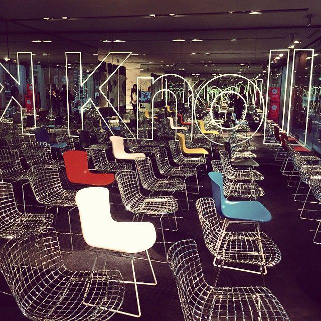 #knoll #ddays #design #decoration #vintage #interior #instadeco #interiordesing #reflect #mirror #obsession #knollparis