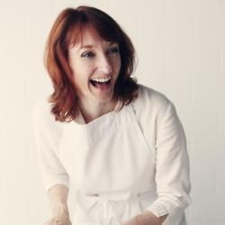 Charmian Christie is not your ordinary food blogger. A sought-after food columnist, her work has appeared in numerous national publications. Nobody's perfect, but in our book, Charmian Christie comes pretty close. http://themessybaker.com/