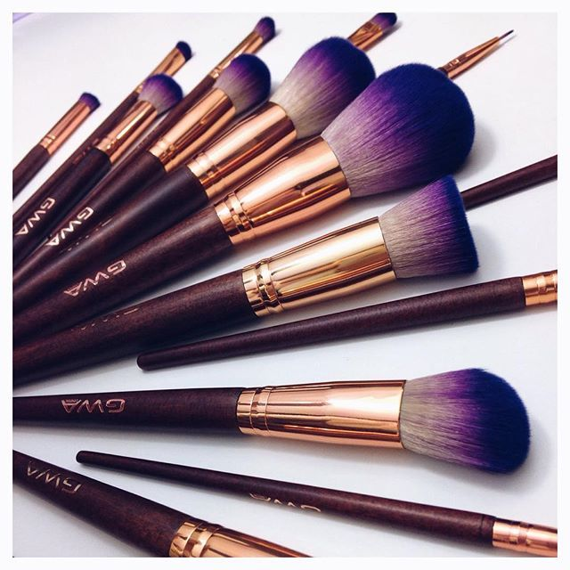 I nearly cried when I received these gorgeous babies this morning! This is the NEW makeup brush collection from @girls_attitude ... Everything about them is just perfect. Super soft, sturdy and you wont need any other brushes ( of course unless you are a makeup products - http://amzn.to/2jywVxP