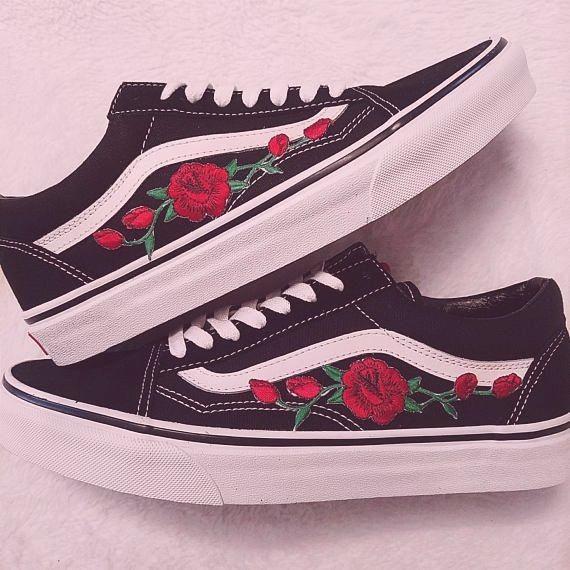 Rose Knospen Rot Schwarz Unisex Benutzerdefinierte Rose Bestickt Patch Vans Old Skool Sneakers Vans Old Skool Rose Vans Vans Old Skool Sneaker
