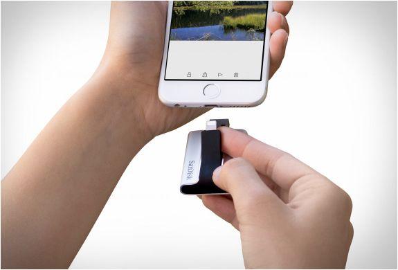 ixpand-flash-drive-4