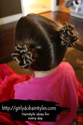 Girly Do's By Jenn: Messy Buns--this blog has great little girl hairdo ideas and instructions!