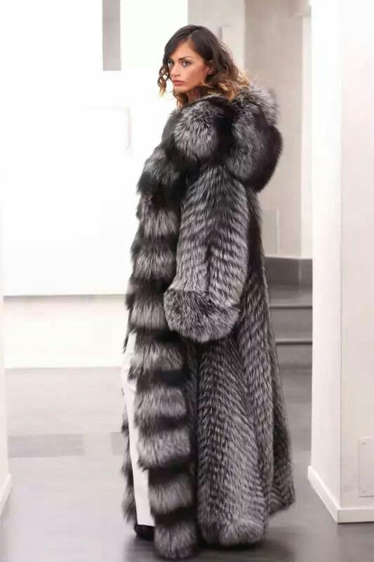 5606 best fur images on Pinterest | Furs, Fox fur and Fur coats