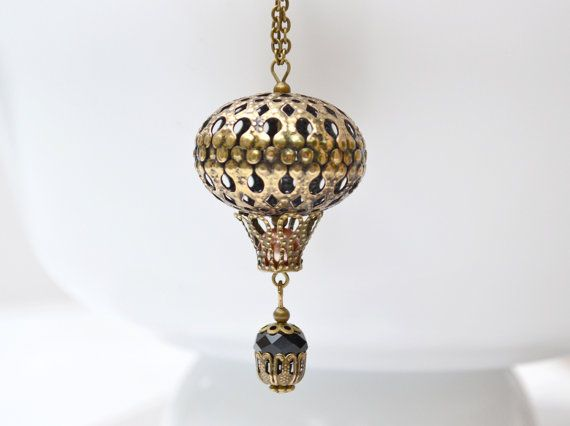 Hot Air Balloon collana, collana capricciosa, viaggiatore del mondo, bronzo Hot Air Balloon fascino gioielli, steampunk vendita boho Beadwork Eco ciondolo