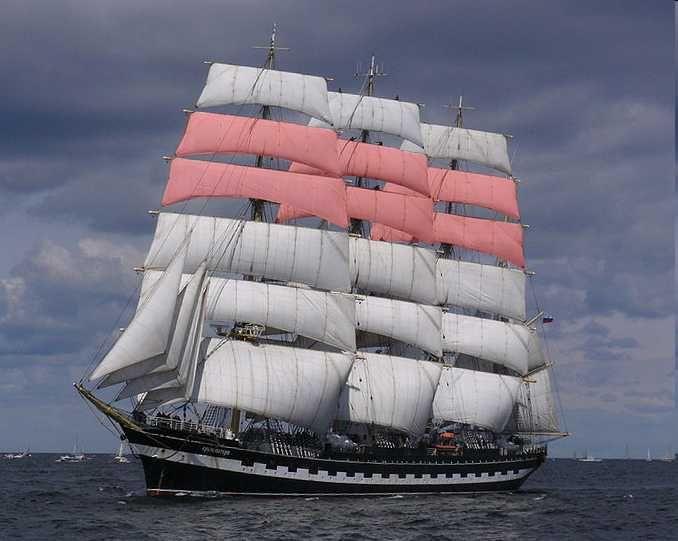 Krusenstern topgallant sails - Perroquets doubles sur le Krunsenstern