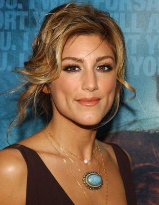 Jennifer Esposito photos, including production stills, premiere photos and other event photos, publicity photos, behind-the-scenes, and more.