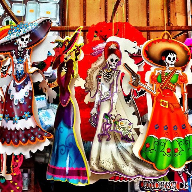 Despite the #DayoftheDead's growing popularity, this is a festival with deeply rooted traditions that go back to pre-Hispanic times. During this holiday, the popular belief is that the deceased have permission to visit friends and relatives on earth and o