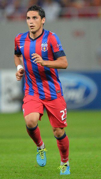 Nicolae+Stanciu+FC+Steaua+Bucuresti+v+Legia+4b-y0nVNv-sl.jpg (336×594)
