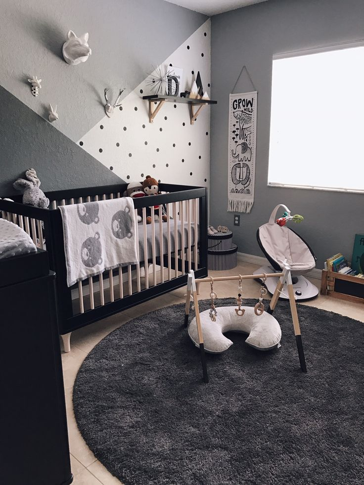 This could be the black and white nursery of our dreams! ähnliche tolle Projekte und Ideen wie im Bild vorgestellt findest du auch in unserem Magazin . Wir freuen uns auf deinen Besuch. Liebe Grüß