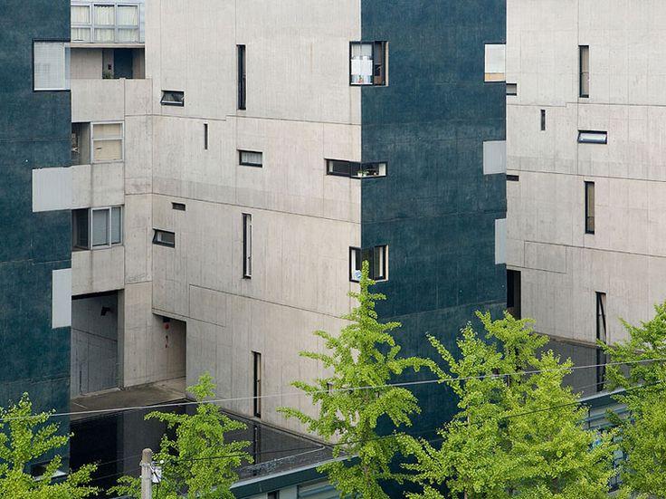 VOID SPACE/HINGED SPACE HOUSING Fukuoka, Japan, 1989-1991