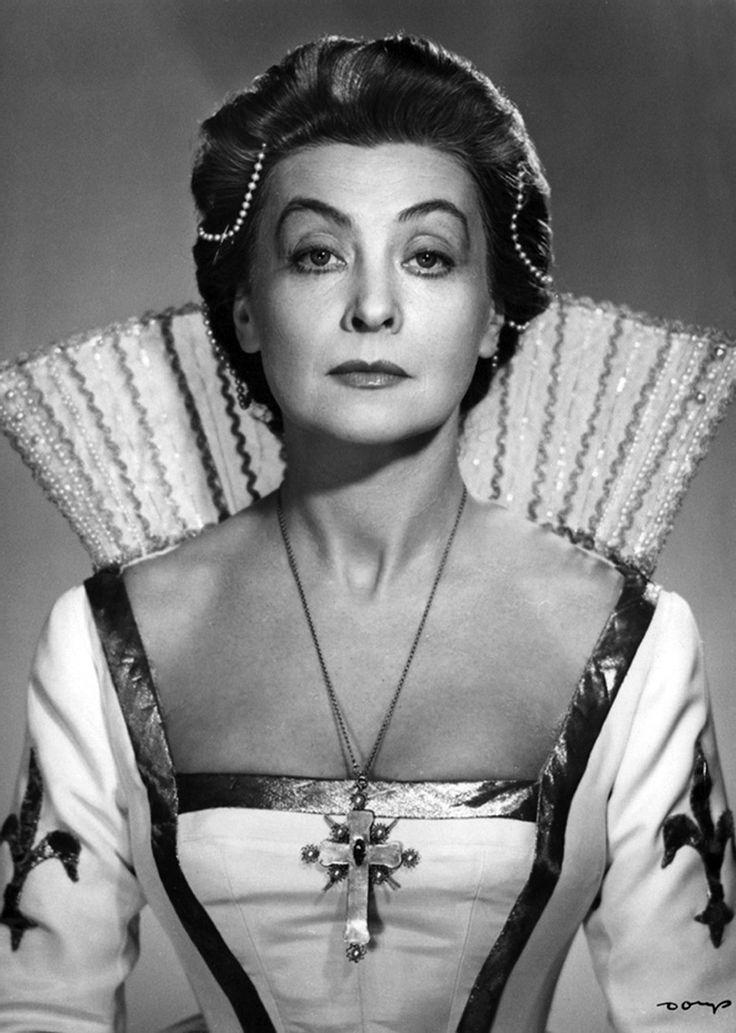 Polish actress Nina Andrycz as Maria Stewart (1958)