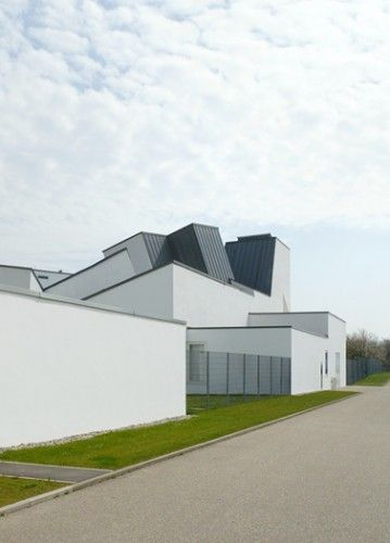 AD Classics: Vitra Design Museum and Factory / Frank Gehry   ArchDaily