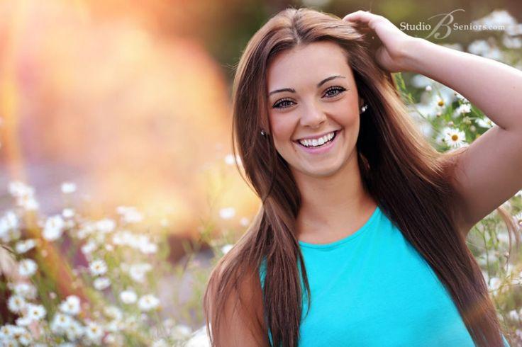 senior pictures for girls | Best-senior-pictures-in-Bellevue-of-Newport-High-School-girl-outdoors ...
