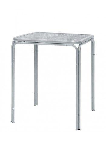 Tavolo quadrato con struttura in alluminio verniciato. Perfetto per bar, caffè, residence, ristoranti, locali sul lungomare, alberghi, b&b, stabilimenti balneari, sale da thè. Ideale per i vostri spazi all'aperto, giardino o terrazzi. Semplice e raffinato. Su ACCESSORI troverete le sedie da abbinare a questa linea.