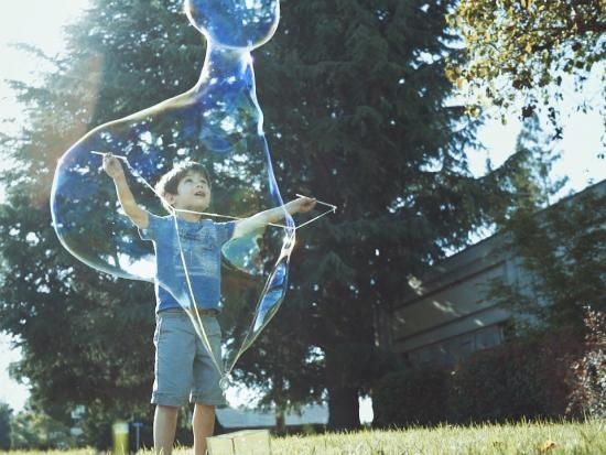 Cool project from http://www.kiwicrate.com/projects/Giant-Bubble-Wand/2623: Giant Bubble Wand