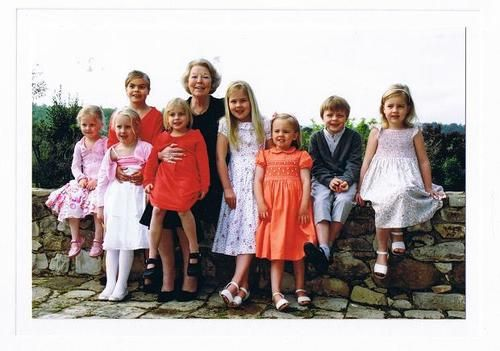 Princess Beatrix with her grandchildren- Countess Zaria and Countes Luana (daughters of Prince Friso), Countess Eloise and Countess Leonore (daughters of Prince Constantijn), Princess Catherina-Amalia and Princess Ariane (daughters of King Willem-Alexander), Count Claus-Casimir (son of Prince Constantijn and the only male grandchild), Princess Alexia (daughter of King Willem-Alexander)