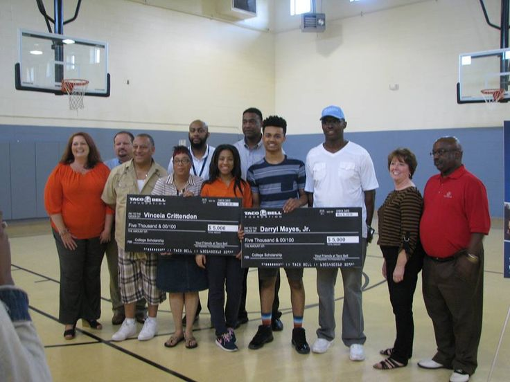 Thanks to the generosity of Taco Bell, two very deserving Club members received a $5,000 college scholarship! Please help us in congratulating VC and Darryl!