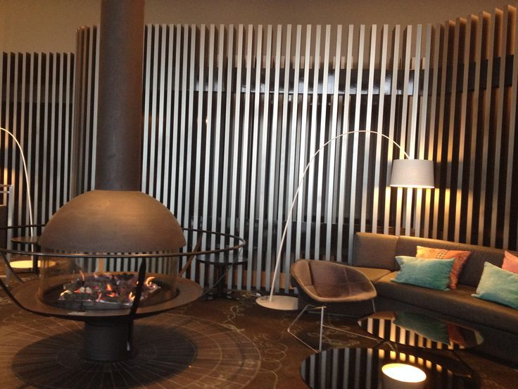 Fire place and lineal pattern wall in 28 Skybar.