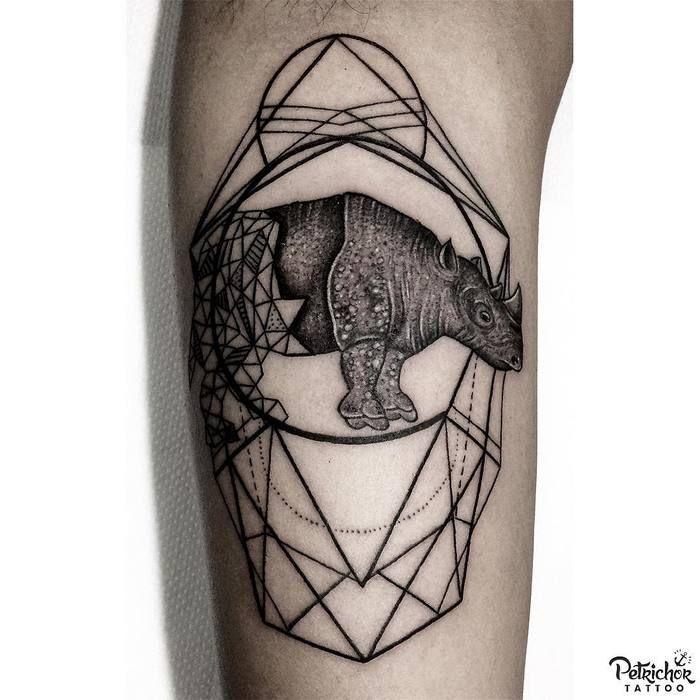 Rhino Tattoo by annekefitrianti