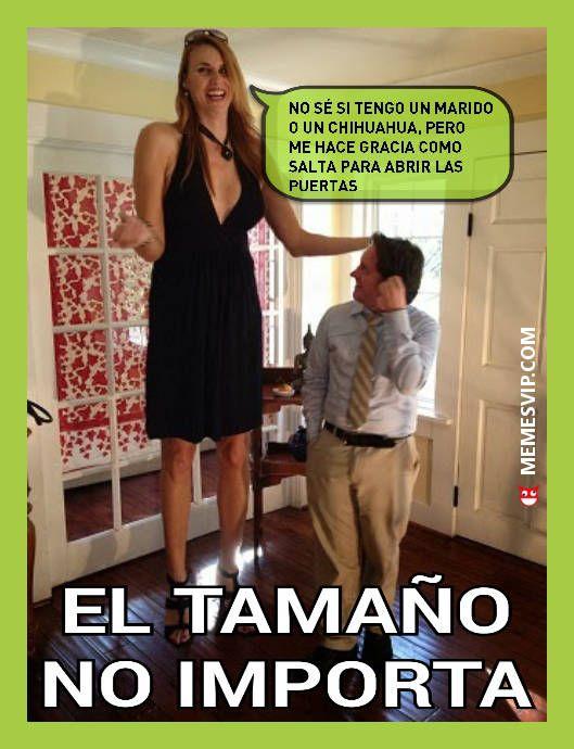 El tamaño no importa a veces #meme #momo #chiste #españa #mexico #venezuela #ecuador #colombia #2017 #tamaño #enespañol #memesenespañol #alto #alta #enano #memes #momos #chile #argentina #jaimito #2017 #hobbit #casados #chihuahua #canijo #mujer #marido #importa