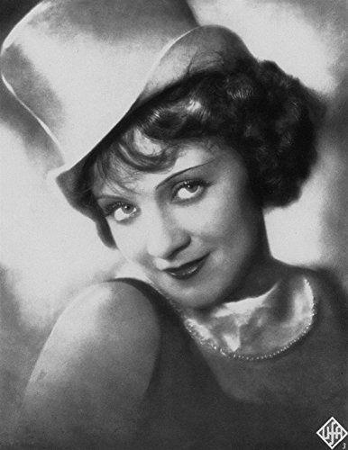 Marlene Dietrich in Der blaue Engel (1930)