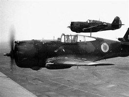 Americké stíhačky Curtiss Hawk 75A ve francouzských barvách. Na stejném typu létal ve Francii František Peřina u jednotky GC I/5.