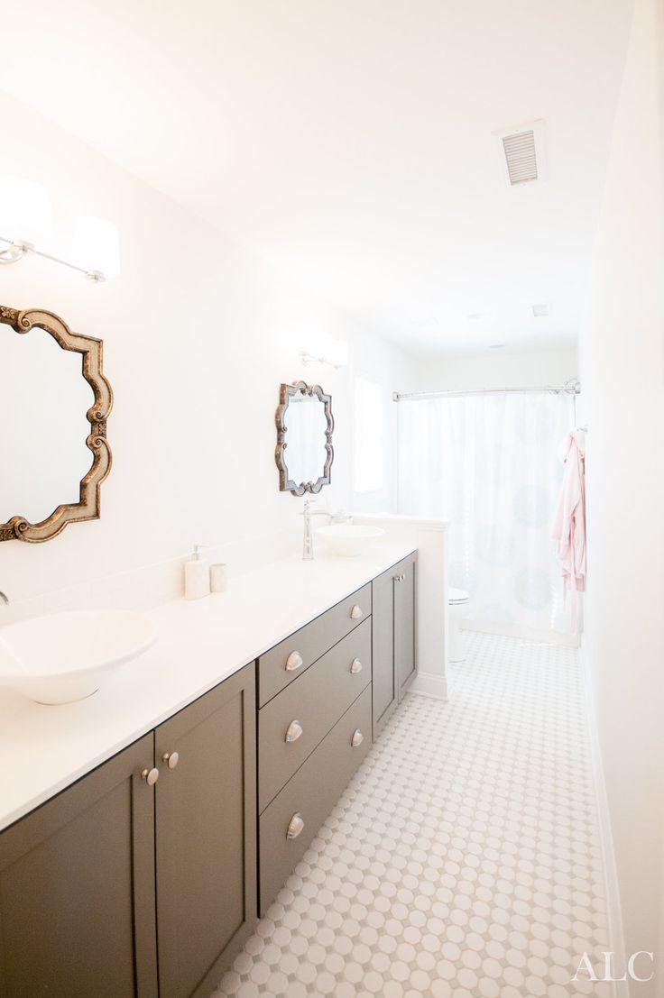 Best 25 bathroom staging ideas on pinterest bathroom for Bathroom ideas real estate