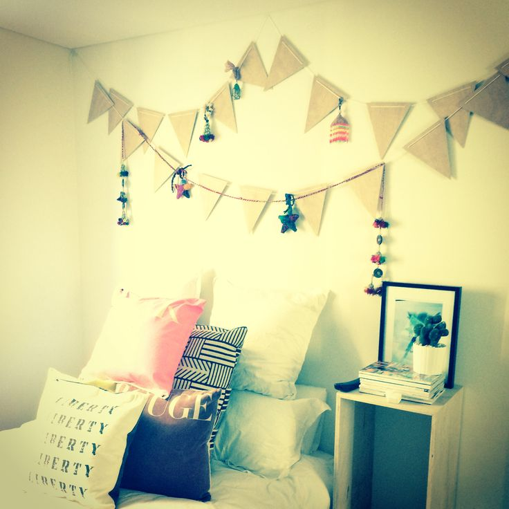 Timber bunting by on the side