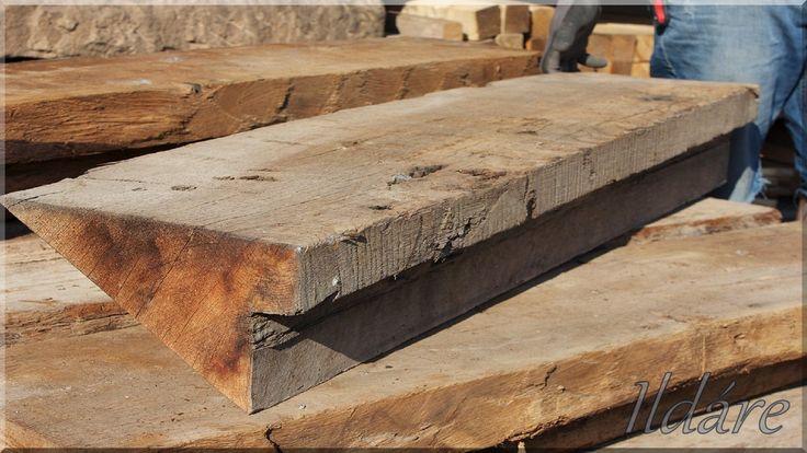 Lépcső antik faanyagból