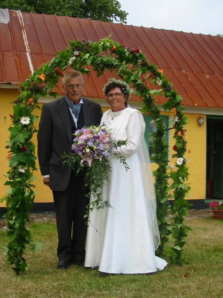 Historie, Museum, Sognefogedgården, Frederikshavn, Danmark. Bryllup på Sognefogedgården. Bruden har en brudekjole på som er en kopi af en brudekjole fra 1912